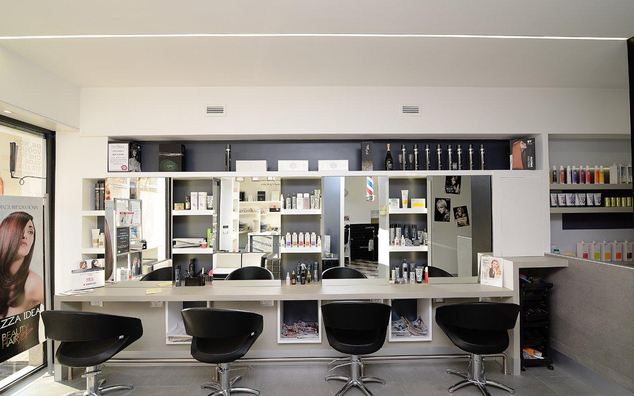 Illuminazione industriale led per aziende uffici negozi for Illuminazione negozi