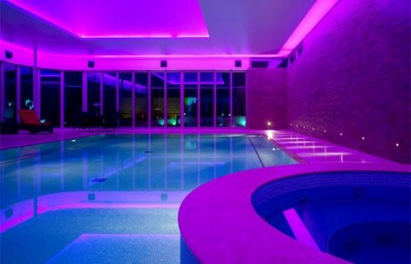 illuminazione a led per piscina